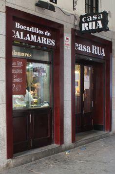 Para comer el auténtico bocadillo de calamares en Madrid. Casa Rua en la plaza Mayor