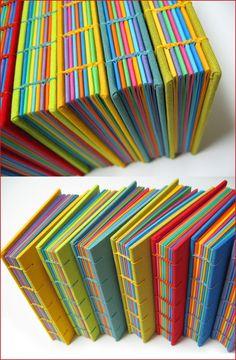 bookbinding idea (Libros multicoloridos) by Zoopress studio Handmade Journals, Handmade Books, Handmade Notebook, Journal Covers, Book Journal, Bullet Journal, Diy Cahier, Book Crafts, Paper Crafts