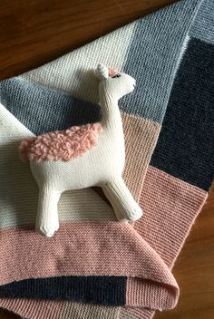 Cuddly alpaca wool blanket and llama toy from our new baby line @hortensiahandmade.com