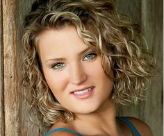 gwyn 30 Majestic Short Curly Hairstyles For Women
