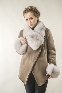 Womens fur coat 235V taupe
