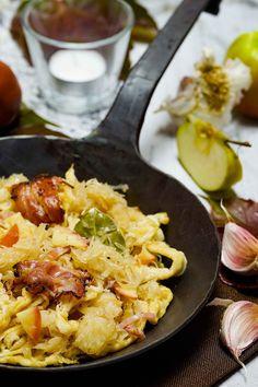 stuttgartcooking: Sauerkraut-Spätzle-Pfanne mit Speck und Apfel