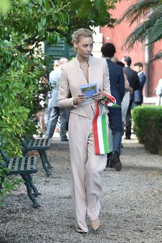 July 2014 - Beatrice Borromeo at a friend's wedding in Santa Margherita Ligure, Italy Princess Alexandra, Princess Caroline Of Monaco, Royal Brides, Royal Weddings, Beatrice Casiraghi, Santa Margherita Ligure, Beatrice Borromeo, Business Fashion, Business Style