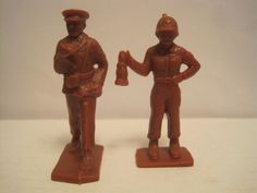 TIM MEE ARMY MEDICAL TEAM NURSE FLAG BEARER RUST BROWN 60MM PLASTIC TOY SOLDIERS #TIMMEE