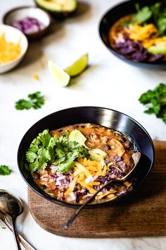 Easy Chicken Chili Recipe - Rotisserie chicken, tomatoes, beans and chili spices cooked to perfection for an easy weeknight dinner ready in less than 30 minutes. Make your own beans and cook your own chicken. Best Chicken Chili Recipe, Easy Chicken Chili, Chicken Recipes, Healthy Chicken, Chili Recipes, Soup Recipes, Dinner Recipes, Healthy Recipes, Healthy Chili