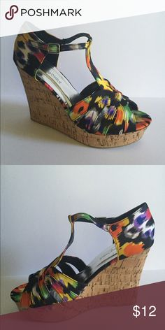 CHARMING CHARLIE Multi color Charminh Charlie wedge sandal Charming Charlie Shoes Wedges