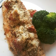 Bakes basa fillet topped with multipurpose tomato sauce. Check the recipe out at www.beasbitesonline.com 😊