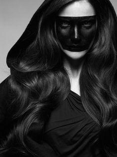 strangelycompelling:  Model- Missy Rayder Photography- Satoshi Saikusa Stylist- Monica Pillosio Hair- Cyril Laloue Make-up- Maria Olsson  Of...