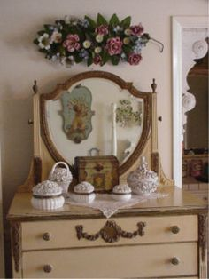 Dressertop pretties (from ShabbytownUSA Home Page)