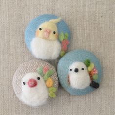 Brooch of little birds. 春色の小鳥ブローチ