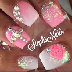#pink#white#iridescentglitter#glitterombre#flowers#diamonds#acrylicombre#love#cutenails#pinknails