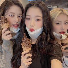 Summer Miracle — [📷] Wonyoung with Yujin and Hyewon Korean Girl, Asian Girl, Selfies, Chica Cool, Love U Forever, Japanese Girl Group, K Idol, Blackpink Jisoo, Kpop Aesthetic