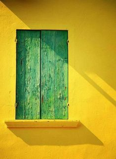 yellow wall, green shutters - All About Balcony Minimal Photography, Color Photography, Window Photography, Photography Ideas, Green Shutters, Style Deco, House Wall, Yellow Walls, Happy Colors