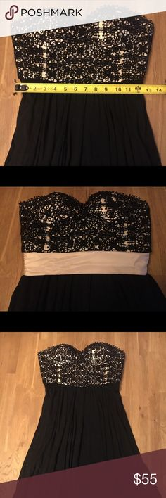 Anthropologie Black & Cream Lace Corset Dress Sz 2 Beautiful little black dress with flattering Corset too. Black lace over cream boning. Removable cream silk sash. Jersey skirt. Anthropologie Dresses Strapless