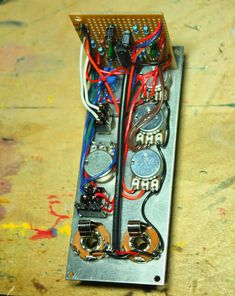 Proto-Schlock: EPFM (Electronic Projects for musicians) Build notes and layouts Electronic Circuit, Tank I, Electronics Projects, Musicians, Layouts, Electric, Guitar, Notes, Box