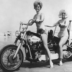 Tandem motorcycles never really got the full credit they deserve...awesome!