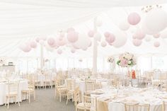 Pastel paper lanterns Pastel lampionnen in zachte roze kleuren. Bekijk onze site www.lampion-lampionnen.nl #pastel #paperlanterns #lampionnen #lampion #wedding decoration Wedding inspiration Trouwdecoratie Trouwfeest ideeën Aankleding feesttent