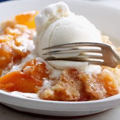 Amazing Peach Cobbler I have tried so many peach cobbler recipes and this is by far my favorite! best summer dessert ever! made with fresh peaches, sugar, and a topping that bakes like slightly underbaked cookie dough, with crunchy sugar broiled on top. Fruit Recipes, Desert Recipes, Baking Recipes, Sweet Recipes, Cake Recipes, Recipies, Köstliche Desserts, Delicious Desserts, Yummy Food