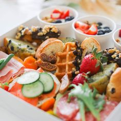 charcuterie boards, picnic boxes, picnic baskets for you Yummy Waffles, Picnic Box, Gourmet Cakes, Gourmet Breakfast, Good Food, Yummy Food, Turkey Sandwiches, Mindful Eating, Roasted Turkey