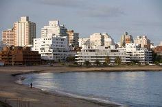 Resultados de la Búsqueda de imágenes de Google de http://www.viajejet.com/wp-content/viajes/El-Carnaval-en-Uruguay-punta-del-Este.jpg