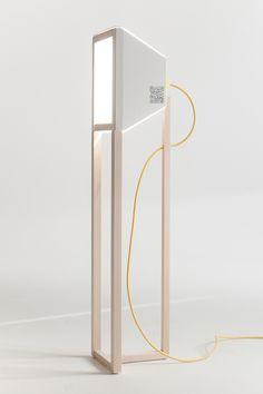 Eas!nk ist eine interaktive Leuchte, die den Benutzer dazu auffordert, die Lichtstimmung mittels Grafiken zu verändern. Mehr braucht es nämlich nicht, den Auftritt der Leuchte und ihre Wirkung im R…