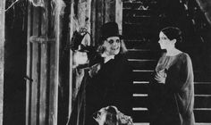 """14 """"lost"""" films still to be found Silent Horror, Silent Film, Batman Fight, London After Midnight, Monster Photos, Lon Chaney, Film Archive, People Online, Horror Films"""