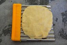 Canım kurabiye istedi ama kolay olmalıydı aynı zamanda lezzetli çok şey mi istedim ne :)) internette araştırma yaparken sevgili Mutfak Sı...