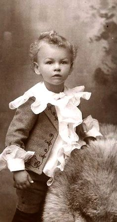 Victorian Little Lord Fauntleroy Clothing.