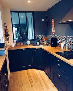 Rustic kitchen wall bowl decor – vintage industrial design ideas for your loft living Home Decor Kitchen, Rustic Kitchen, New Kitchen, Home Kitchens, Gold Kitchen, Kitchen Modern, Glass Kitchen, Updated Kitchen, Country Kitchen