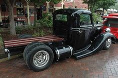 Martin Medrano uploaded this image to 'Big Truck'. See the album on Photobucket. Hot Rod Trucks, Chevy Trucks, Cool Trucks, Big Trucks, Pickup Trucks, Old Classic Cars, Classic Trucks, Custom Trucks, Custom Cars