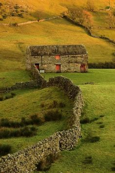 Swaledale barn on an evening in late December in Yorkshire source Andy Coulson on Flickr