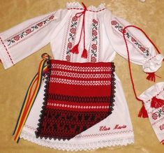 Images for popular costume girls- Imagini pentru costum popular fetite Images for popular costume girls - Popular Costumes, Grandad Shirts, Folk Embroidery, Script Logo, Girl Costumes, Shirts For Girls, Types Of Shirts, Projects To Try, Weaving