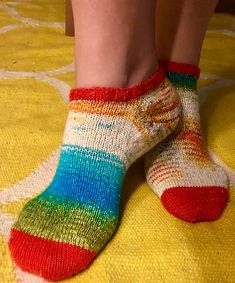 Ravelry: Simple Ankle Socks pattern by Michelle Carter