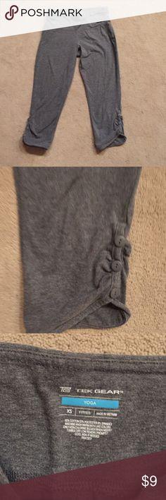 Tek gear XS yoga pant short leg style Tek Gear XS yoga pant short leg style tek gear Pants