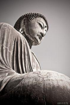 The great Buddha statue in Kamakura, Japan. I love Japanese-style Buddha. Buddha Zen, Buddha Buddhism, Buddhist Art, Tibet, Little Buddha, Art Asiatique, Meditation, Art Premier, Art Sculpture