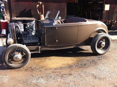 1932 Ford roadster with 21-stud flathead in brown.