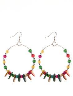 Σκουλαρίκια Λούνα - Μεγάλα δαχτυλίδια με μια σειρά από ξύλινες χάντρες σε διάφορα χρώματα. 1,99€ #skoylarikia #accessories