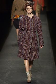 Dries Van Noten Fall 2003 Ready-to-Wear Collection Photos - Vogue