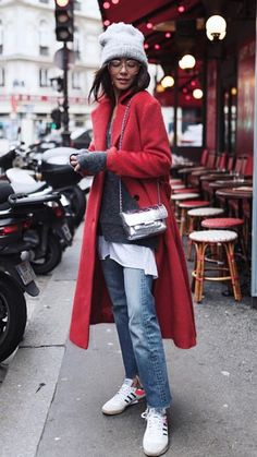 Totally loving the gorgeous layers! Totally loving the gorgeous layers! Estilo Fashion, Look Fashion, Fall Winter Outfits, Autumn Winter Fashion, Everyday Outfits, Everyday Fashion, Mantel Outfit, Street Style Vintage, Chic Outfits