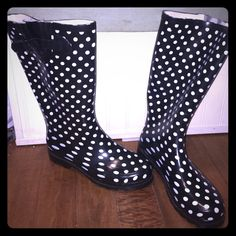 Rain/snow boots Perfect condition, never worn! Shoes Winter & Rain Boots
