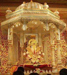 HINDU GOD: Lord Ganesha