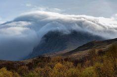 UK's highest peak Ben Nevis wreathed in cloud [OC] [2500x1669] ergotpoisoning http://ift.tt/2y6qeGX November 06 2017 at 06:44AMon reddit.com/r/ EarthPorn