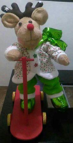 Christmas Centerpieces, Reindeer, Dolls, Christmas Ornaments, Halloween, Holiday Decor, Home Decor, Christmas Stuff, Santa Clause
