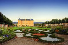 Schloss Schwetzingen, or Schwetzingen Palace is a schloss in the German state of Baden-Württemberg. Schwetzingen was the summer residence of the Electors Palatine Charles III Philip and Charles IV Theodore. Parks, New Palace, Lilac Tree, Ill Fly Away, Neuschwanstein, Germany Castles, Holiday Places, Beautiful Castles, Beautiful Places
