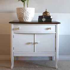 Cait from@littlecityfarmhouserefreshed this sweet little wash stand with a clean coat of our pure white, Simplicity and some of our new glass knobs!  Come see all of her beautiful pictures of this project atblog.countrychicpaint.com  #freshwhite #diy #homedecor #washstand #furniturepainting #paintedfurniture