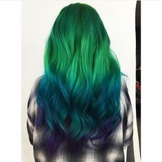 Emily and I should almost do a mermaid shoot again like when we were younger. Wouldn't this be cool hair? It'd probably take a lot of hair chalk or something though!