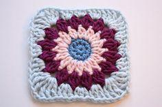 Cherry Heart: Rosie Posie Grannie Square Tutorial. Fantastic free crochet pattern! A wonderful blog full of great ideas.