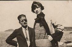 James Joyce con su hija Lucia (1924)