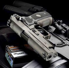 Sig Sauer P226 Legion Sig Sauer P226, Sig P229, Armas Sig Sauer, Pistola Airsoft, Cool Guns, Guns And Ammo, Panzer, Tactical Gear, Tactical Life