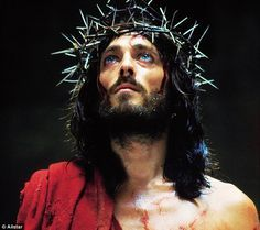 Jesus of Nazareth A British/Italian acclaimed TV mini-series, on the birth miracles death and risen-again, of Jesus Christ. Stars Robert Powell as Jesus, who in my opinion, perform the Greatest Ever Jesus on screen. Jesus Wallpaper, Jesus Christ Superstar, Jesus Franco, Jesus Crown, Jesus Art, Les Religions, Crown Of Thorns, Jesus Pictures, Mystique